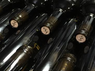 Flaschen vor dem Etikettieren